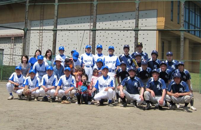 左が福島の先生方、右が新潟大学。新潟は新しいユニフォームです。
