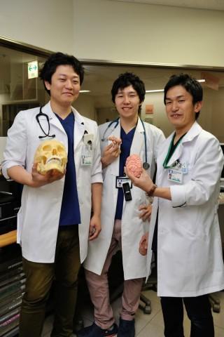 右から太田先生、瀧野先生、吉田先生