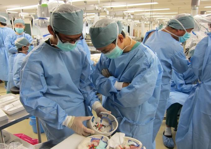 新潟大学オリジナルの手術シミュレーション用石膏模型。今回も活躍。