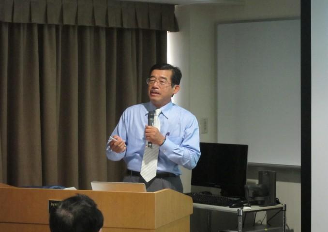 慶応大学名誉教授の 河瀬 斌 先生。