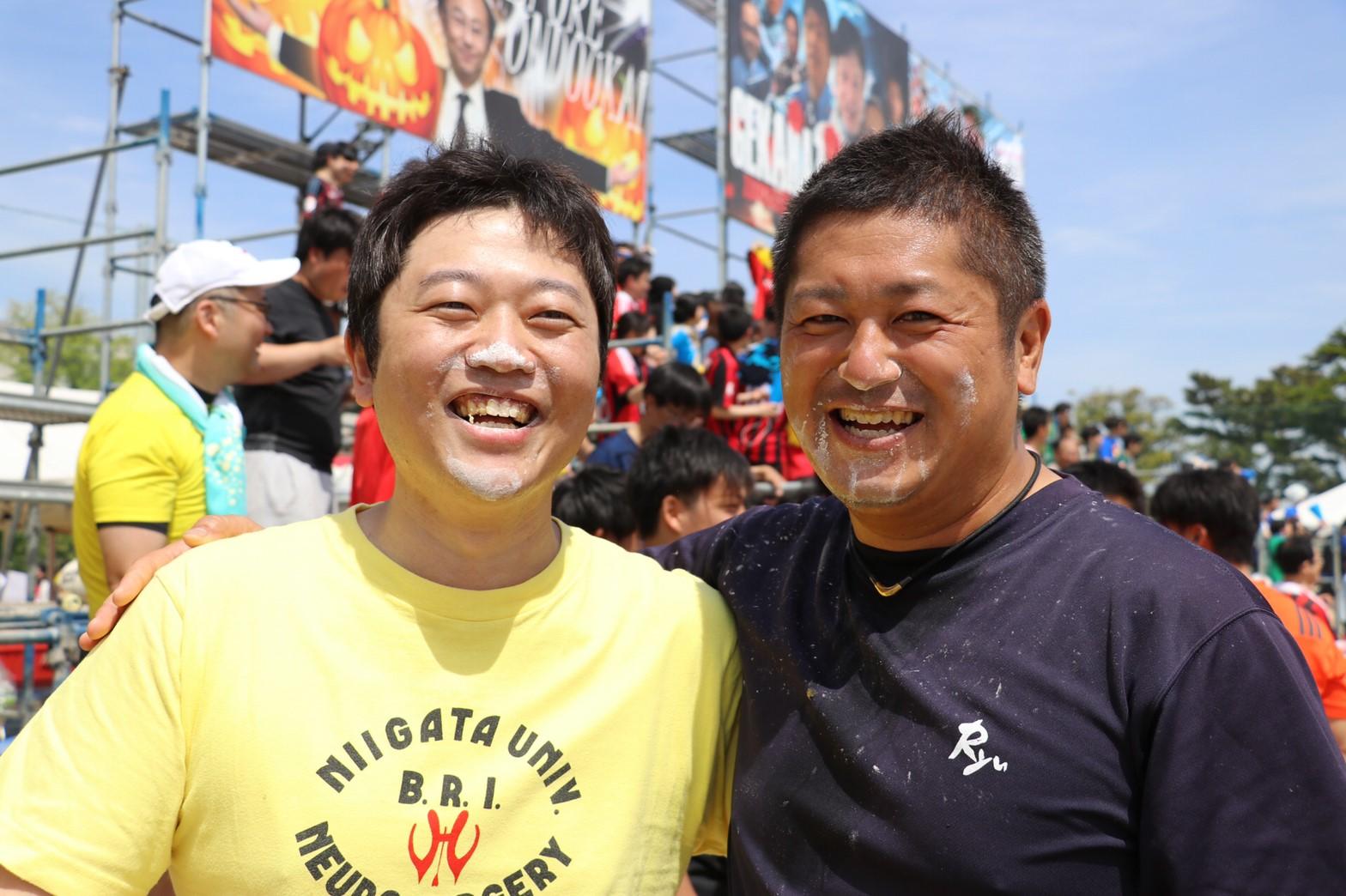新王者(左:吉田至誠先生)と絶対王者(右:佐藤大輔先生) 2人とも良い表情です。