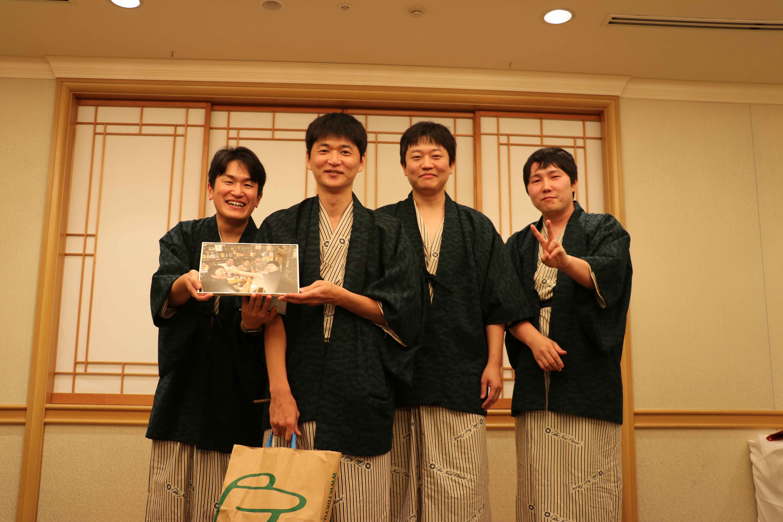 10月から新潟市民病院へ赴任される吉田先生を囲んで1枚